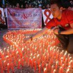 Dia contra Aids: Francisco pede amplo acesso aos retrovirais