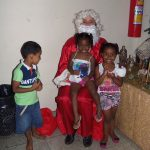 Confira as fotos da festa de Natal para as crianças de nossa paróquia