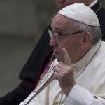 Papa: que não se repitam esses crimes vergonhosos em locais de culto