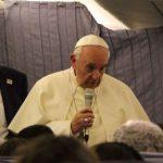 Papa se desculpa com vítimas de abuso por palavra que usou sobre Dom Barros